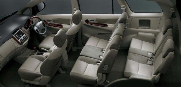 Toyota Innova - wnętrze