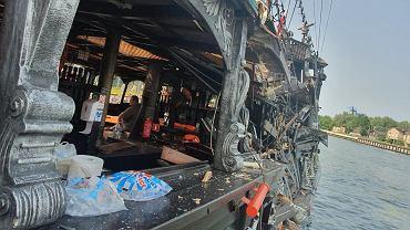 Gdańsk. 'Czarna Perła' zderzyła się z pogłębiarką. Siedem osób rannych