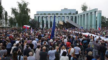 Manifestacja pod Sądem Najwyższym w Warszawie