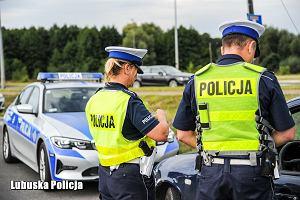 """Awantura o podniesienie mandatów dla kierowców w Polsce. Czy rzeczywiście na tle Europy płacimy """"śmiesznie mało""""?"""