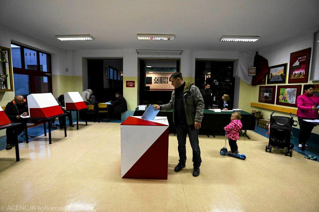 Obwodowa komisja wyborcza w Warszawie