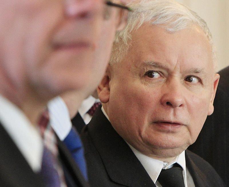 Jarosław Kaczyński na uroczystości w Wilanowie. gdzie szef PKW przekazał Andrzejowi Dudzie oficjalne wyniki wyborów prezydenckich