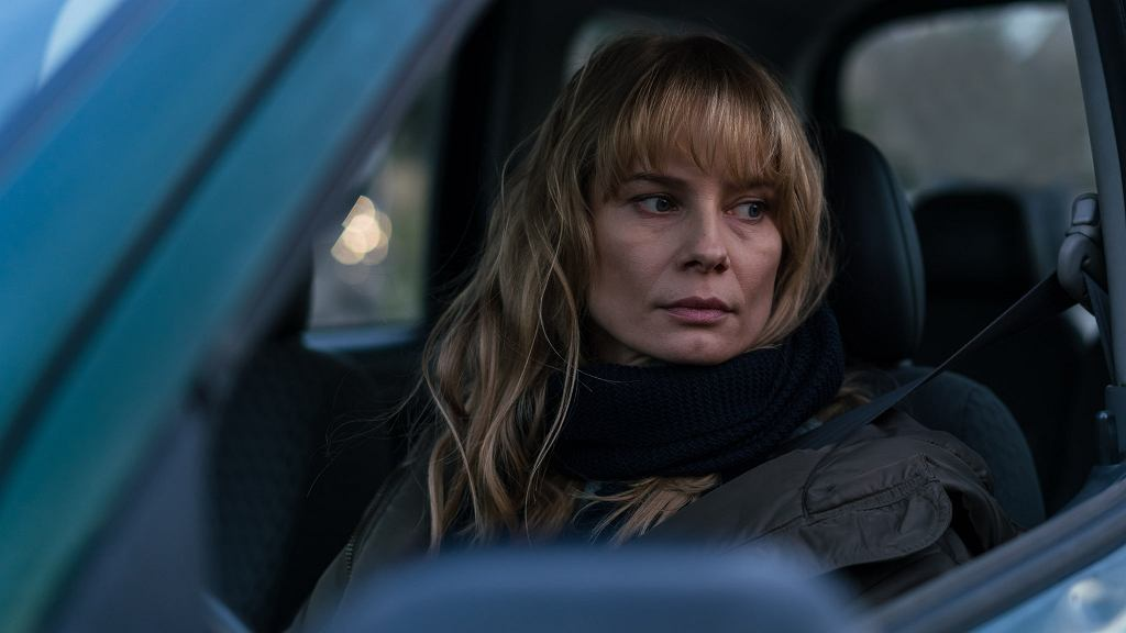 Kadr z filmu 'Ciemno, prawie noc'. Na zdjęciu Magdalena Cielecka