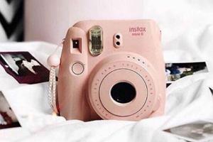 Instax mini - uwiecznij najlepsze wspomnienia dzięki aparatowi natychmiastowemu!