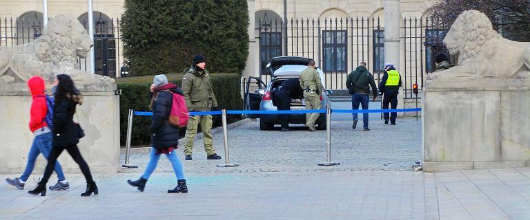 Andrzej Duda skomentował incydent przed Pałacem Prezydenckim