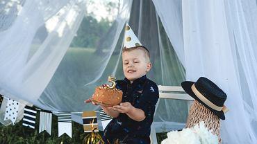 Urodziny dzieci w plenerze są możliwe tylko podczas dobrej pogody. Zdjęcie ilustracyjne