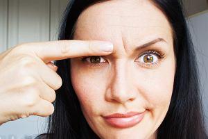 Skroń - jaka jest jej budowa? Co oznacza ból głowy w skroniach?