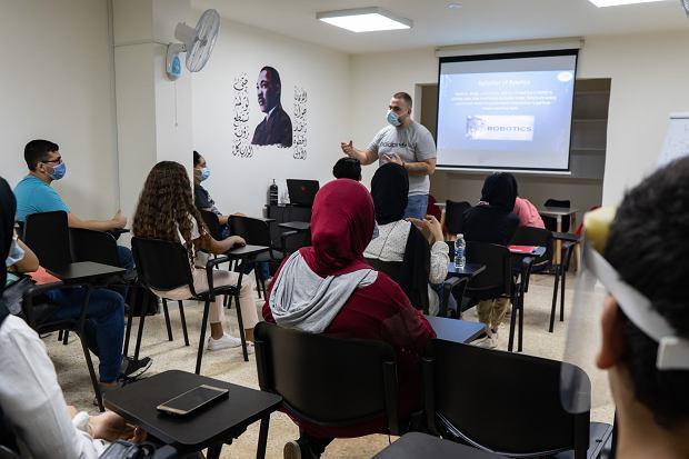 """Eksplozja w Bejrucie zniszczyła szkoły. """"Jedno na czworo dzieci w mieście mogło zostać dotknięte zamknięciem szkół"""""""