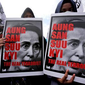 06.09.2017 , Sumatra , Indonezja . Protest indonezyjskich muzułmanów przeciwko polityce Aung San Suu Kyi .