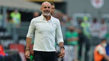 Trener Milanu proponuje zmiany w przepisach. Piłka nożna jak koszykówka?
