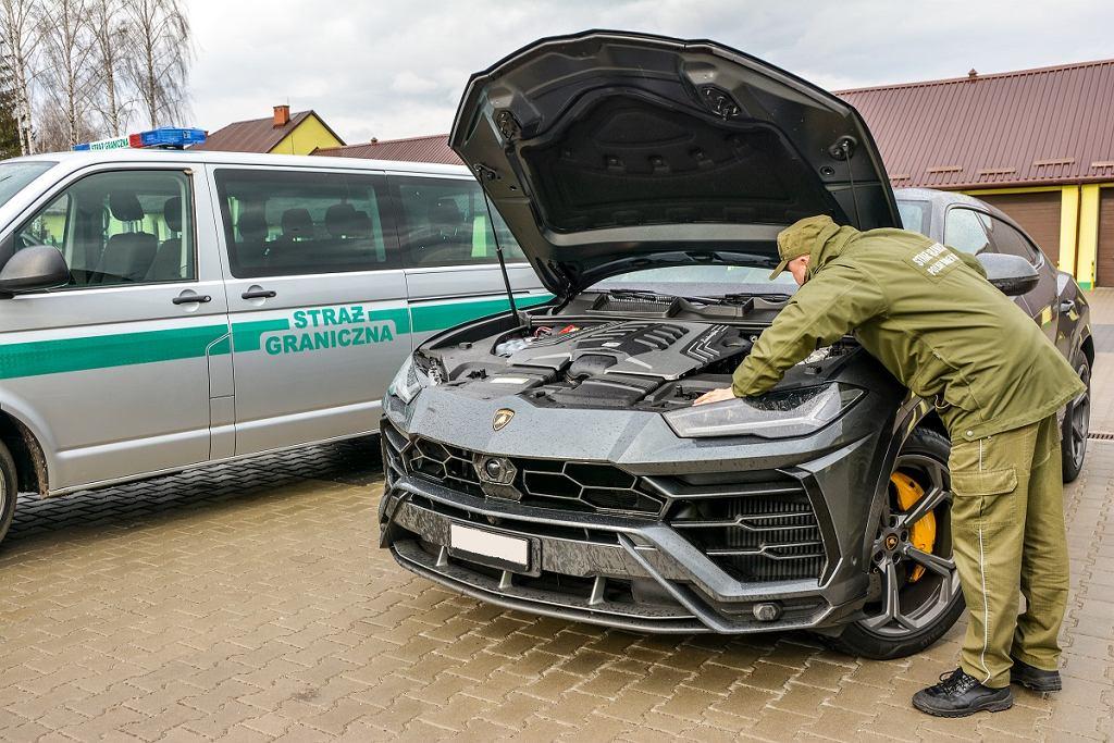 Samochód marki Lamborghini Urus zatrzymany na polsko-ukraińskim przejściu granicznym.