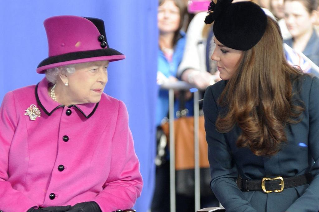 królowa Elżbieta II, księżna Kate