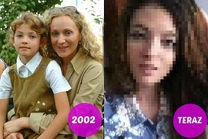 Weronika Parys przez 10 lat wcielała się w postać Kasi Cieplak w 'Plebanii'. W 2010 roku pożegnała się jednak z serialem, a produkcja zastąpiła ją znaną z 'Rodzinki.pl' Olgą Kalicką. Jak Weronika Parys zmieniła się od tego czasu i czym się teraz zajmuje? Odpowiedź znajdziecie w naszej galerii!
