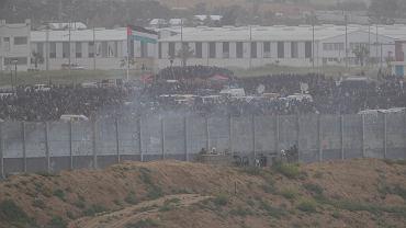 Protesty w Strefie Gazy. Izraelscy żołnierze na pozycjach