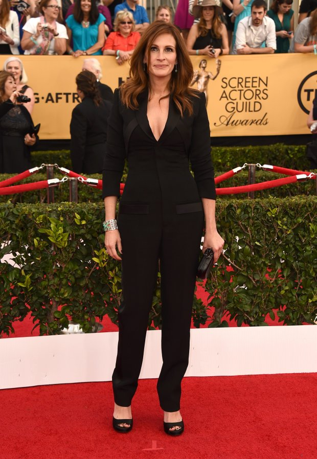 Julia Roberts arrives at the 21st annual Screen Actors Guild Awards at the Shrine Auditorium on Sunday, Jan. 25, 2015, in Los Angeles. (Photo by Jordan Strauss/Invision/AP)