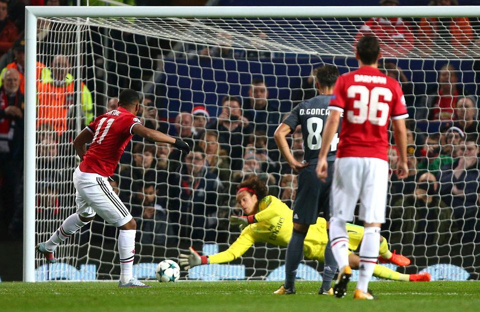 Mile Svilar, Liga Mistrzów. Manchester United - Benfica