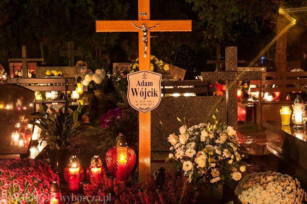Zdjęcie numer 5 w galerii - Cmentarze najpiękniej wyglądają nocą. Zobacz zdjęcia z wrocławskiej nekropolii