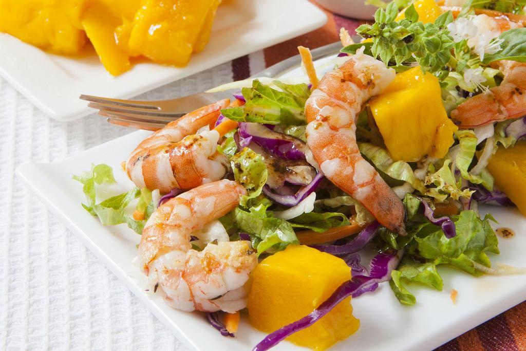 Sałatka z krewetkami i mango