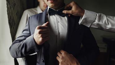 Ślub syna: urlop okolicznościowy, prezent, strój. Wszystko, co musisz wiedzieć przygotowując się do ślubu syna. Zdjęcie ilustracyjne