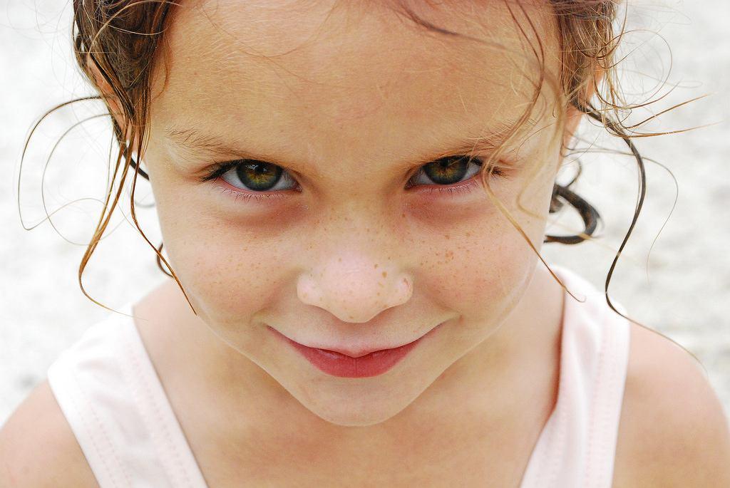 Taka słodka dziewczyna, prawda? (fot. Wikimedia Commons)