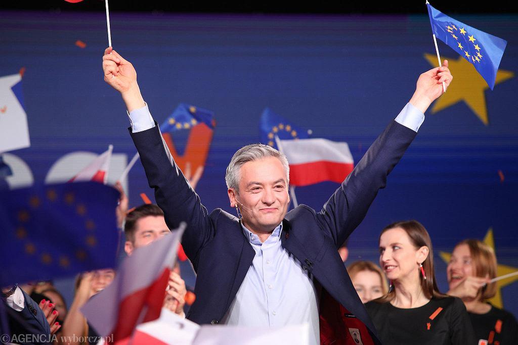 Robert Biedroń podczas wieczoru wyborczego Wiosny