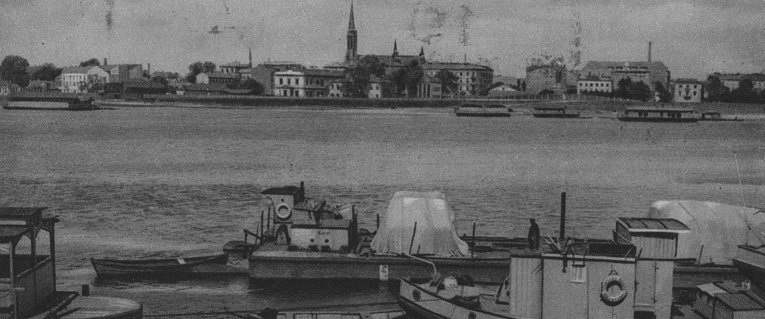 Barki na Wiśle w Warszawie. W tle panoramy Pragi (fot. Narodowe Archiwum Cyfrowe)