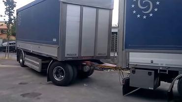 Mistrz kierownicy cofa ciężarówką |