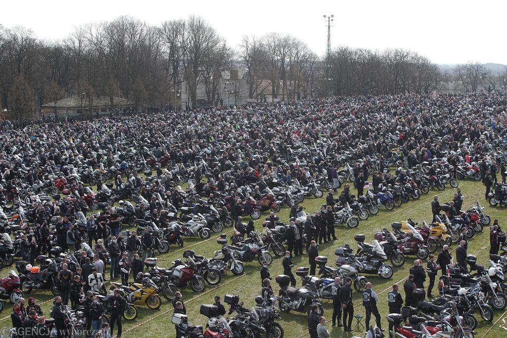 10 tys. motocyklistów na Jasnej Górze. Zakon komentuje: To były bezpieczne odległości