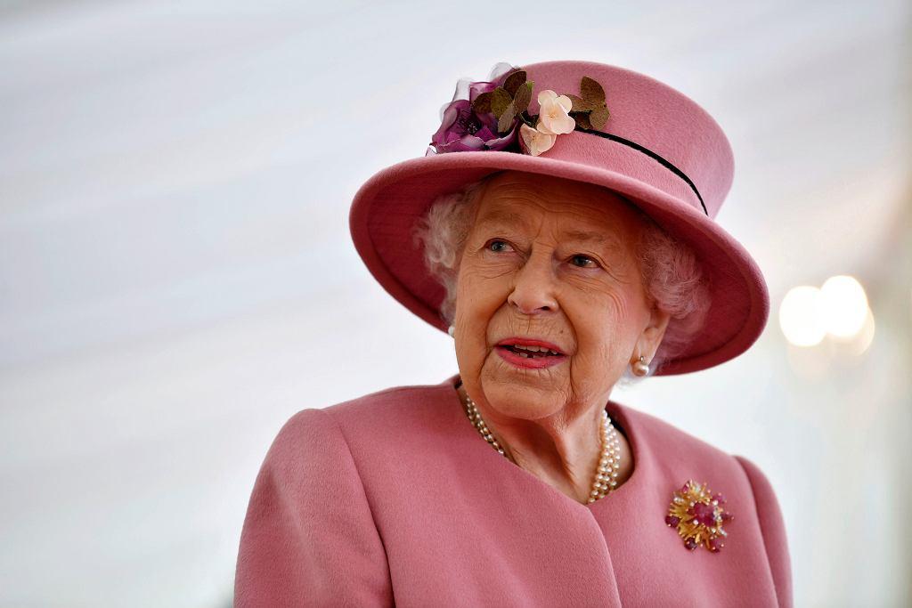 Ważny gest Elżbiety II. Królowa wyciąga dłoń do Meghan i Harry'ego?