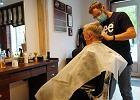 """Zdążyć przed """"narodową kwarantanną"""". Polacy ruszyli do fryzjera"""