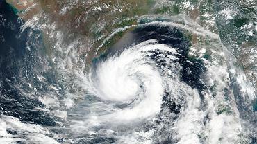 Cyklon Amphan uderzy w Zatokę Bengalską