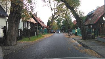 Woonerf, czyli przyjazna przestrzeń projektowana z myślą o pieszych i rowerzystach powstanie na ul. Pawiej w Pustkach Cisowskich