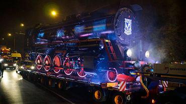 Parowóz Ty51-183, lokomotywa Lecha Poznań w drodze na stadion przy ul. Bułgarskiej