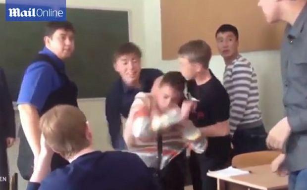 wideo nauczyciel-uczeń czarny nastolatek pornsite