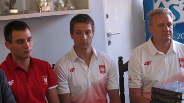 Z lewej Artur Zaczek, dalej Jakub Adamski i trener Tadeusz Osik