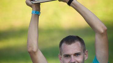 Piotr Łobodziński - zwycięzca biegu na skocznię narciarską w Kulm - Red Bull 400.