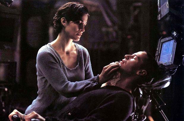Matrix 4: Keanu Reeves i Carrie-Anne Moss już przed kamerami