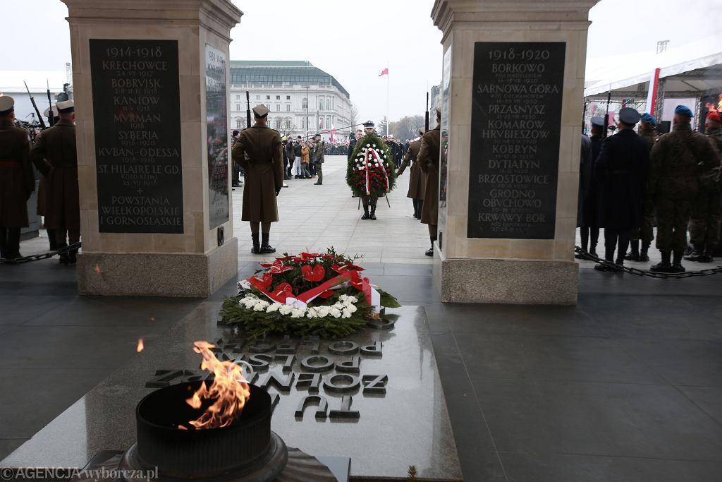Grób Nieznanego Żołnierza na Placu Piłsudskiego w Warszawie. To tu odbędą się główne uroczystości rocznicowe wybuchu II wojny światowej. Zdjęcie ilustracyjne