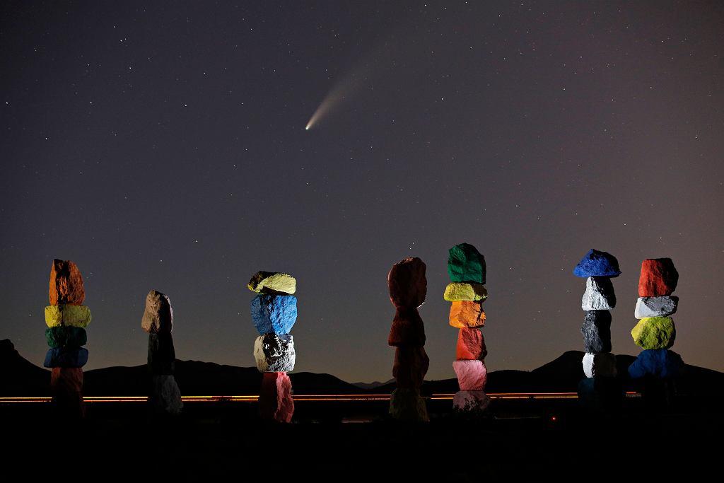 Kometa Neowise na fotografii