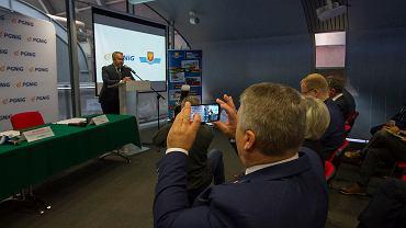 Kielce, 23 października 2018 roku, Targi Kielce.  Podpisanie umowy MPK - PGNIG w sprawie budowy stacji gazowej