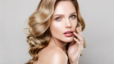 Delikatny makijaż odpowiedni dla każdego typu urody