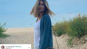 Małgorzata Rozenek-Majdan w luksusowej stylizacji na plaży. Trampki za 1200 zł to dopiero początek