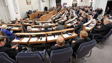 Senat o ustawie in vitro