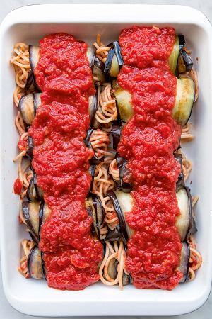 Roladki z bakłażana ze spaghetti