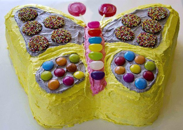 Tort motylek - idealny na urodziny dla dziecka. Jak go wykonać? Wyjaśniamy i podajemy przepis