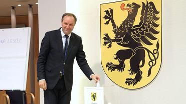Marszałek Mieczysław Struk zagłosował na Leszka Bonnę