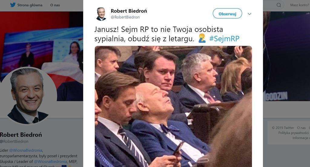 Janusz Korwin-Mikke podczas pierwszego posiedzenia Sejmu.