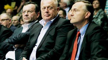 Marzec 2010. Ryszard Krauze i prezydent Gdyni Wojciech Szczurek podczas meczu Top 16 Euroligi Asseco Prokom Gdynia - Unicaja Malaga.