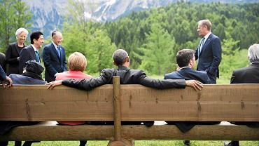 Oprócz oficjalnych spotkań część rozmów odbywa się w mniej formalnych okolicznościach