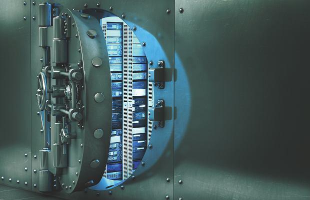Haker na twym haku - jak bronić się przed złodziejami informacji?
